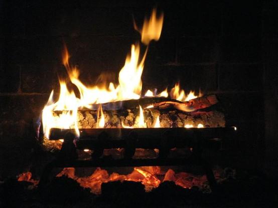 Fireplace - mid winter xmas
