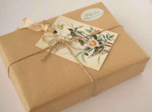 gift wrapping - o check design graphics