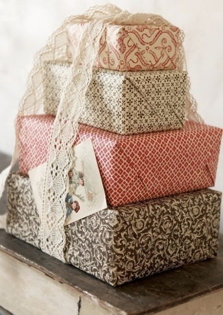 wedding gift wrapping vintage style