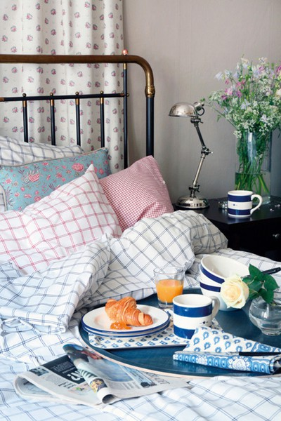 Mothers Day gifts - Mothers Day breakfast in bed